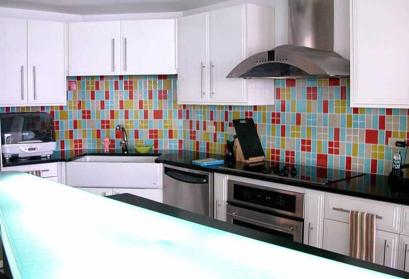 Keuken Zwart Verven : Kitchen Backsplash with Color