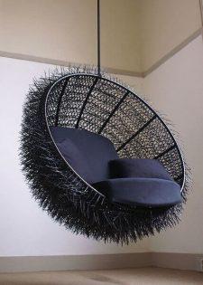 Zwarte hangstoel