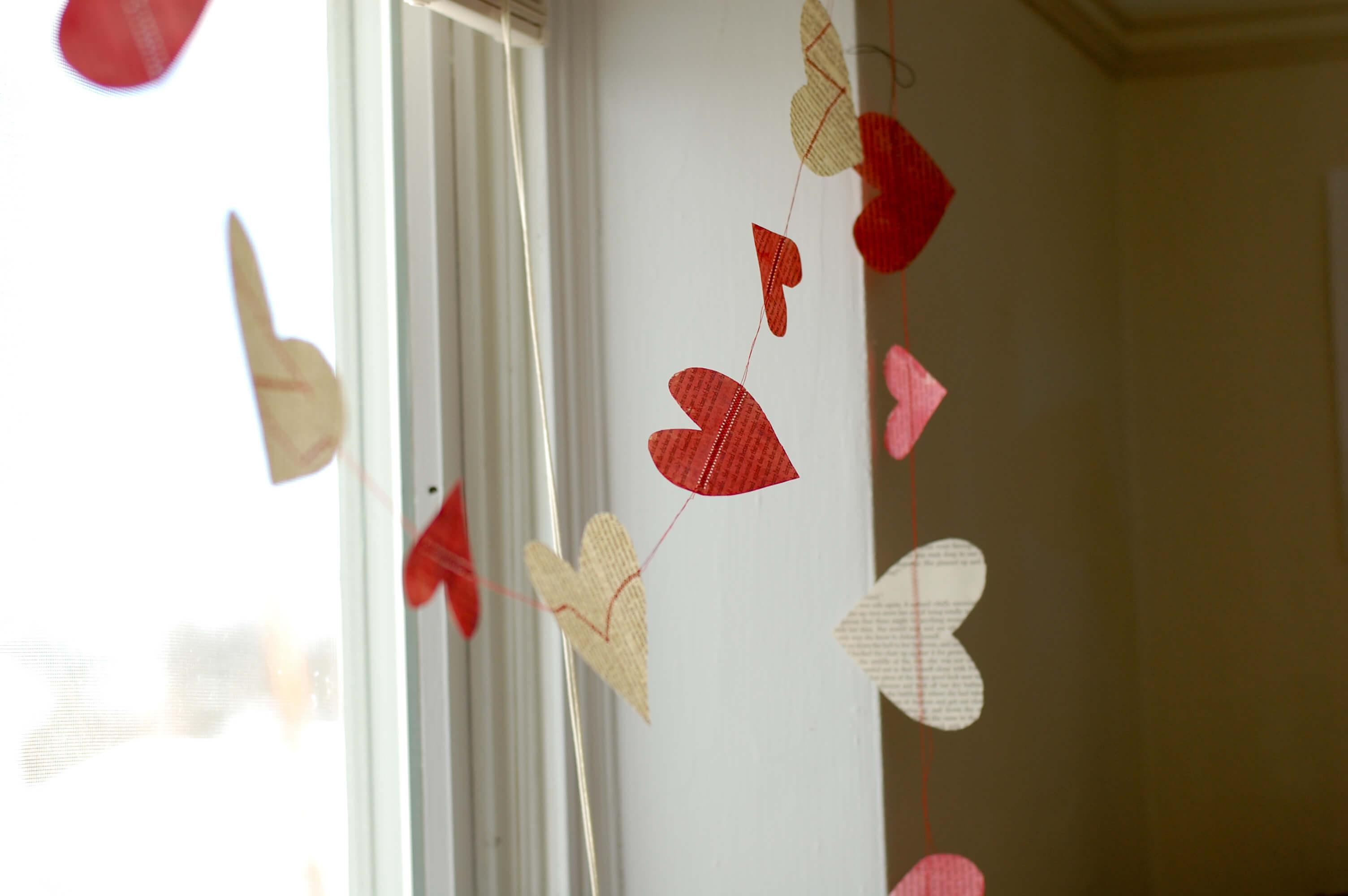 slaapkamer romantisch maken een hartjesslinger