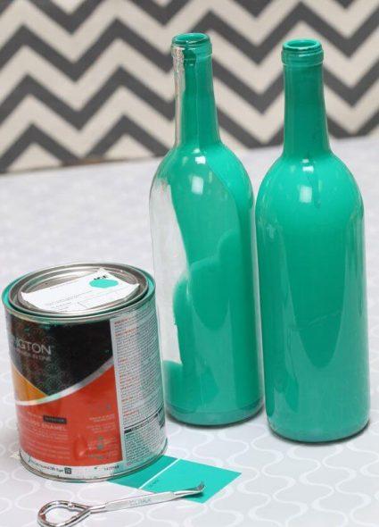Glazen flessen verven