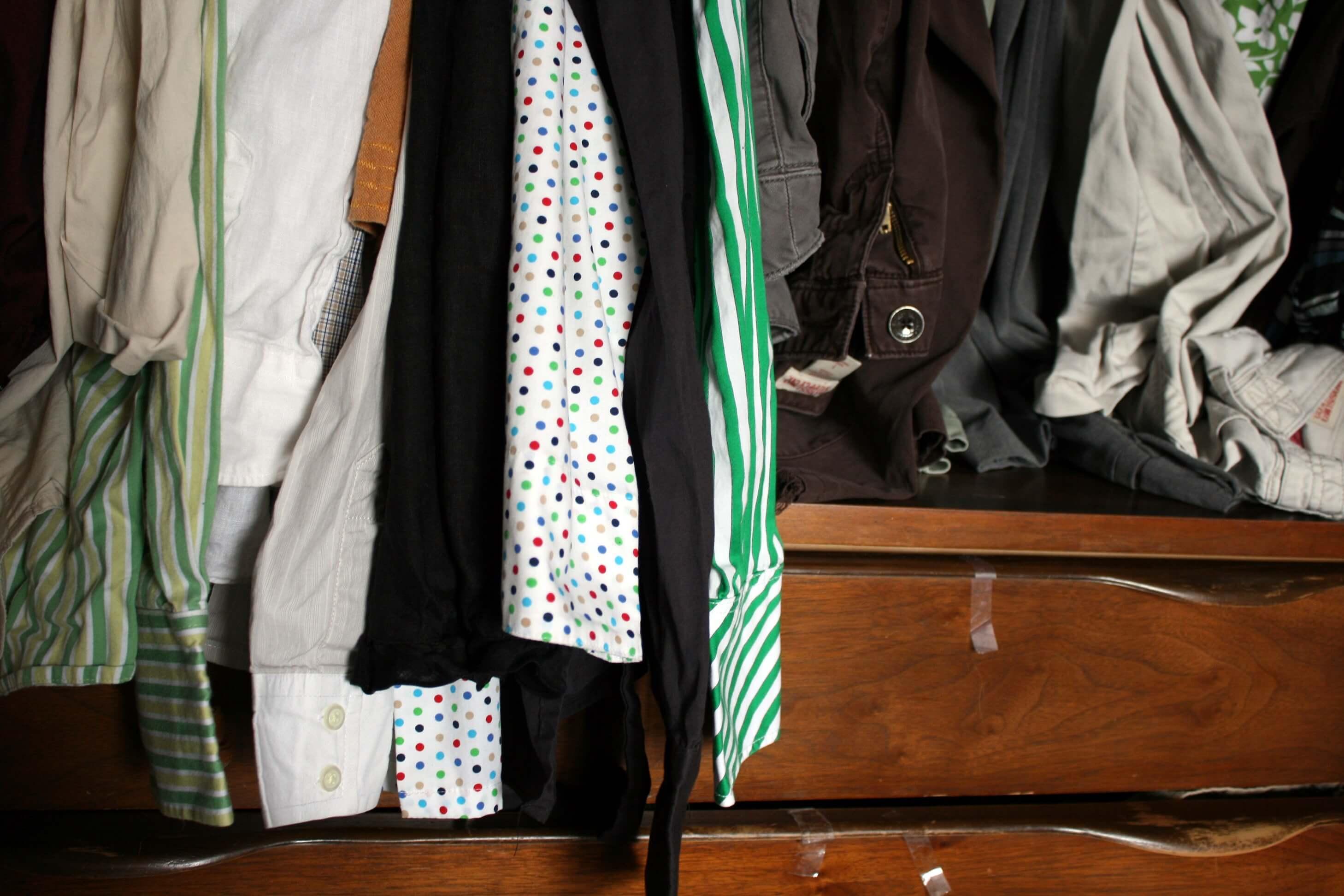 Kledingkast opruimen en kleding uitzoeken wiki wonen for Tips opruimen
