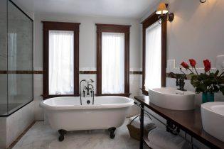 Luxe, sfeervolle badkamer