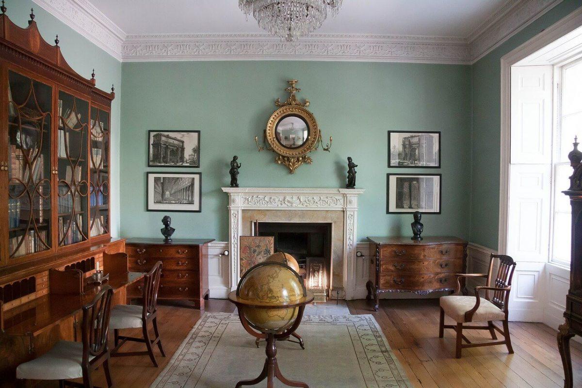 Antieke meubels kopen maar wanneer is iets antiek wiki for Herrenzimmer modern einrichten