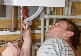 Voorkom lekkages door tips van loodgieters op te volgen
