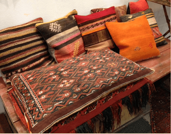 https://www.wiki-wonen.nl/wp-content/uploads/2015/11/Bohemian-interieur-accessoires-Kelim.png