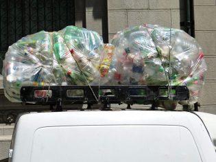 Plastic afval verzamelen