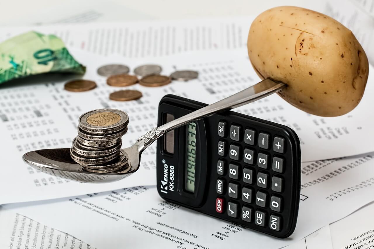 Bespaar op maandelijkse vaste kosten, doe minder licht aan