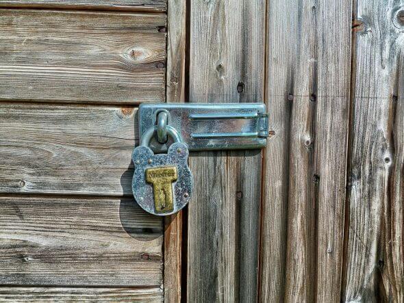 Waarom een regulier slot op je deur niet genoeg is